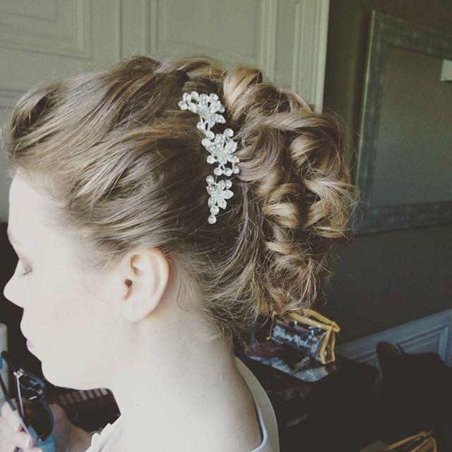 Maquillage &  Coiffure #wedding #mariage #chignonmariage #chignon #annacruz #haircutmakeup #maquilla
