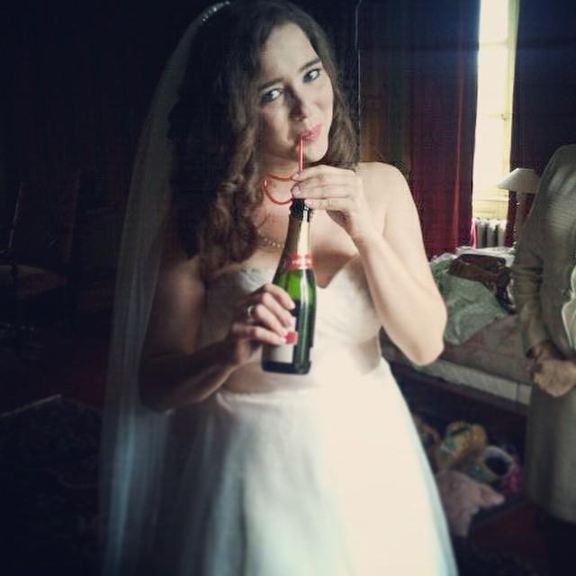 Ma jolie mariée du jour était américaine et je pense qu'elle aime notre champagne #champagne #paille