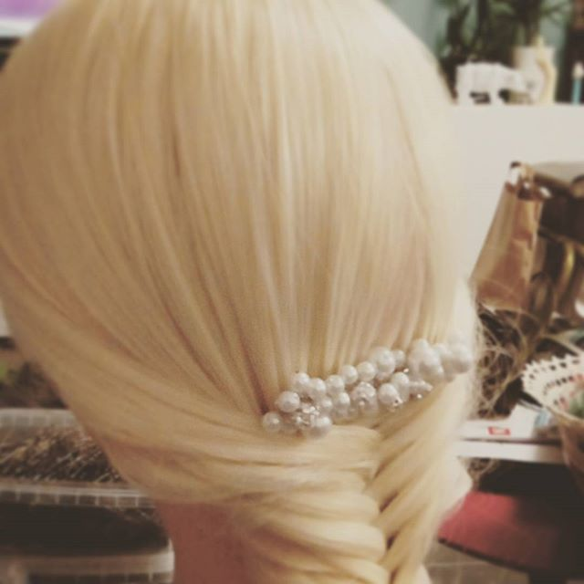 Tresse  épi  #wedding #hair #tresse #haircut #makeup #annacruz