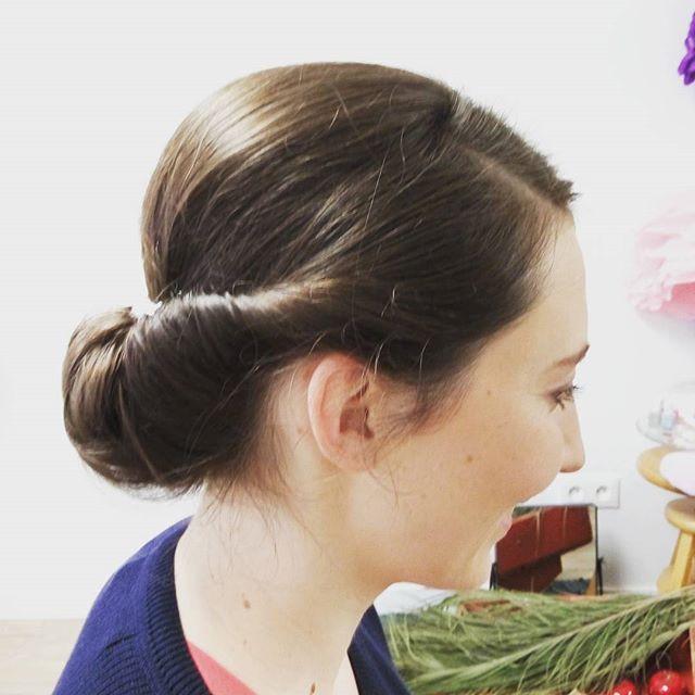 Chignon bas #haircutmakeup #wedding #mariage #makeup #coiffure