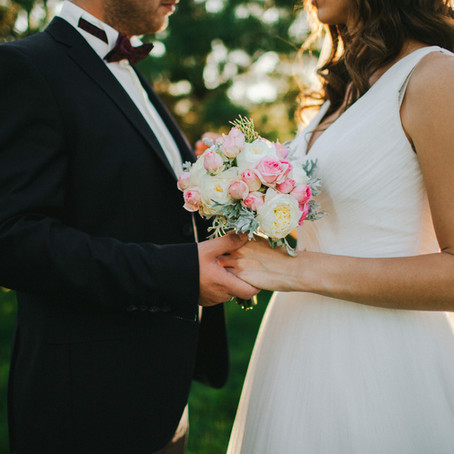 HOW THE SECRET LANGUAGE OF FLOWERS CAN HELP YOU SET 'COUPLE GOALS'