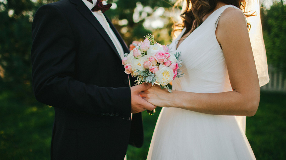 Should I Hire a Wedding Planner? The Short Answer: Yes!