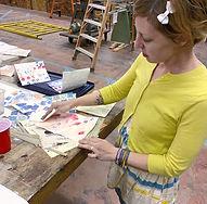 dana teaching ladies art night_edited.jp