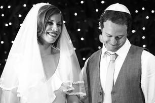 שמחה ואושר של הזוג המאושר