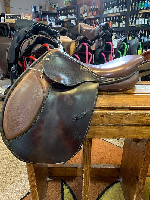"17"" Courbette Saddle #25024"