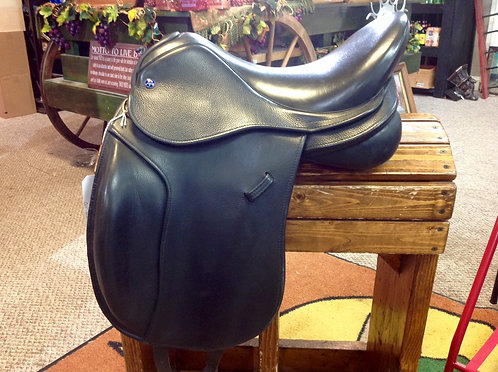 Equestor De Wispelaere Dressage Saddle
