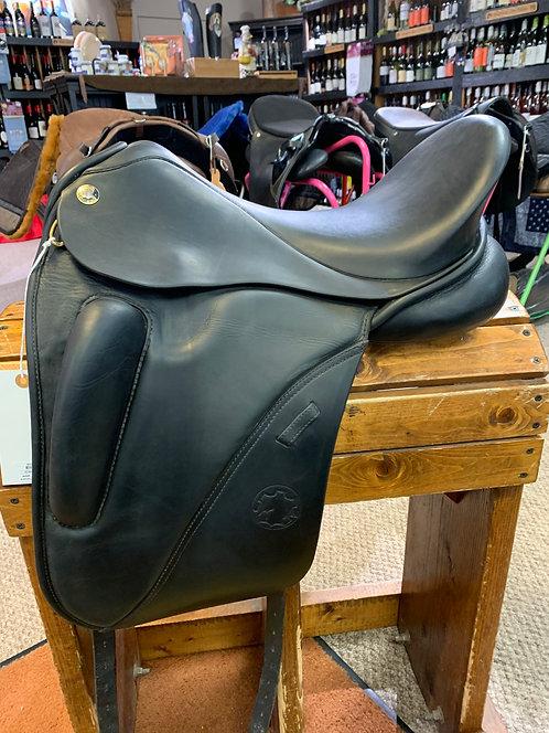 Hennig Exclusive Dressage Saddle