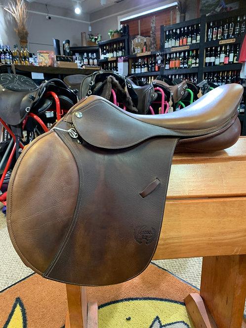 Pessoa A/O AMS Saddle