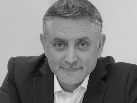 Découvrez Pierre-Yves Gomez, chercheur partenaire de notre recherche sur l'Expérience Collaborateur