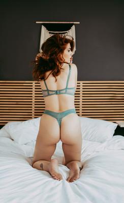Everett-seattle-best-boudoir-intimate-photographer-portraits-sexy.jpg