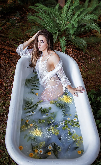 seattle-bridal-boudoir-milkbath-snohomis