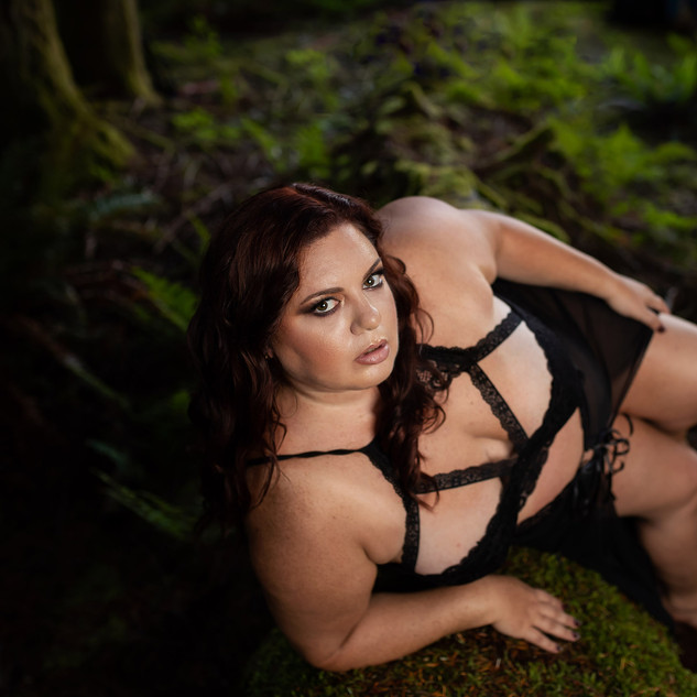 forest-glam-boudoir-seattle-everett.jpg
