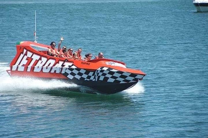 jet-boat-algarve-fun-1-600x399 - Cópia.j