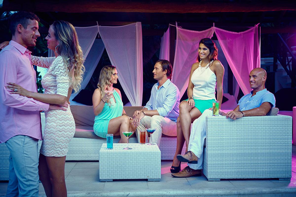 desire-riviera-melange-couples-flirting