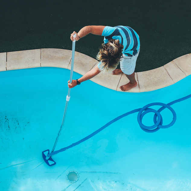 clean pool service curacao.jpg
