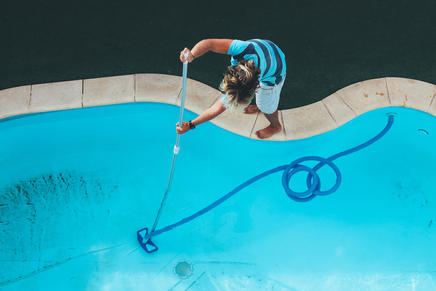 clean pool service curacao.jpg