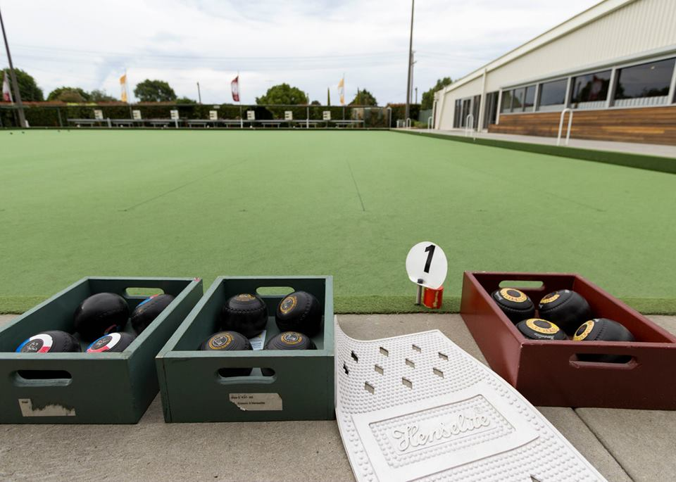 Barefoot Bowls and Christmas Dinner