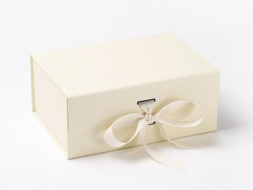 Boite cadeau ivoire A5 deep avec ruban