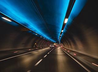 blur-cars-commuting-1253049.jpg