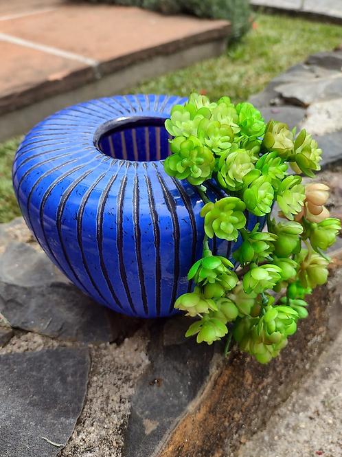 Vaso de vidro azul indigo