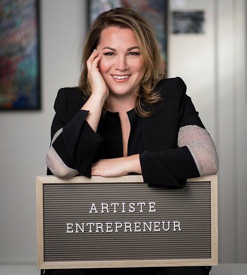 Aro artiste entrepreneur Women in art business world abstract art painter Aro