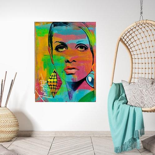 Mokup TWIGGY Manon Roy artiste peintre