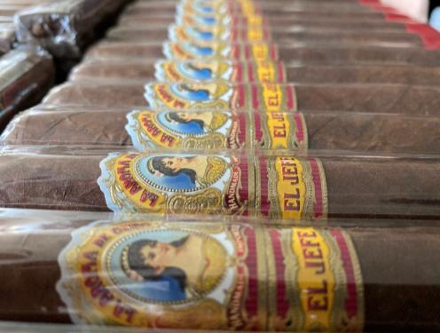 Review: La Aroma de Cuba El Jefe