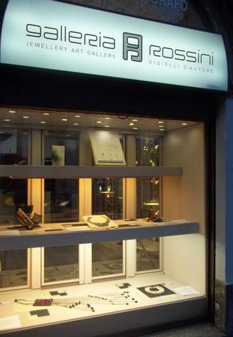 La Galleria Rossini ospita Ridefinire il Gioiello