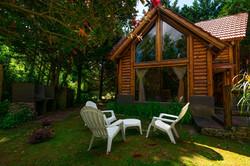 Cabaña 104. Parrillero y jardín