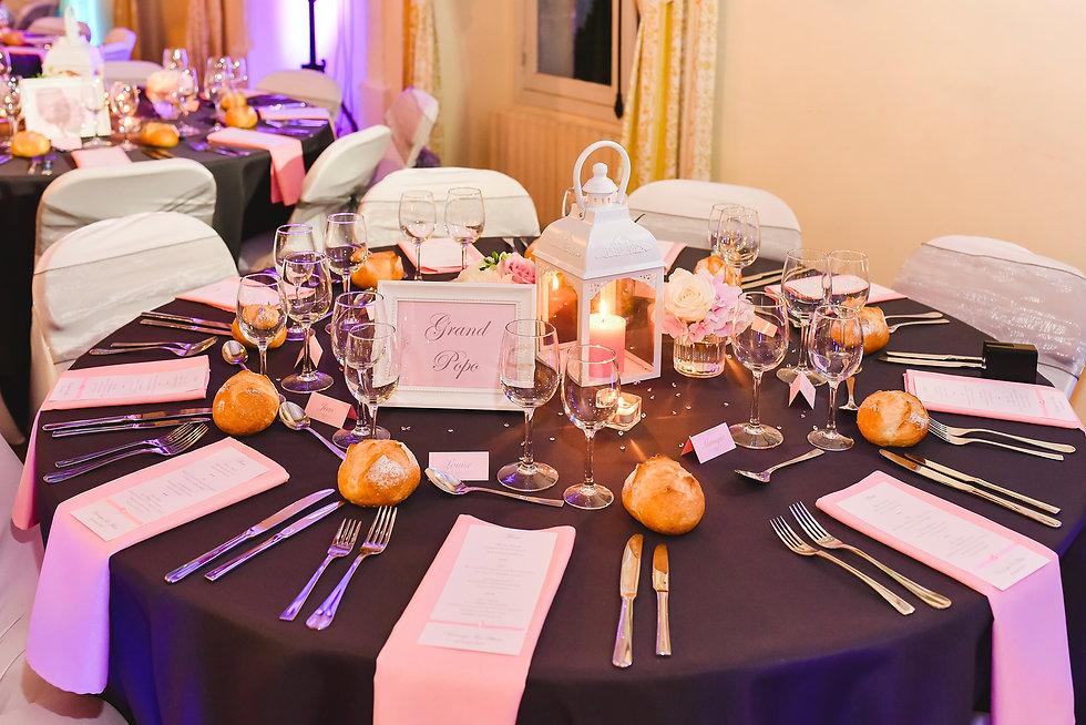 élégant Décoration mariage gris et rose, lanterne, menu, marque place, nom de table