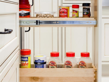 3 Must Have Accessories for Your Kitchen Cabinets