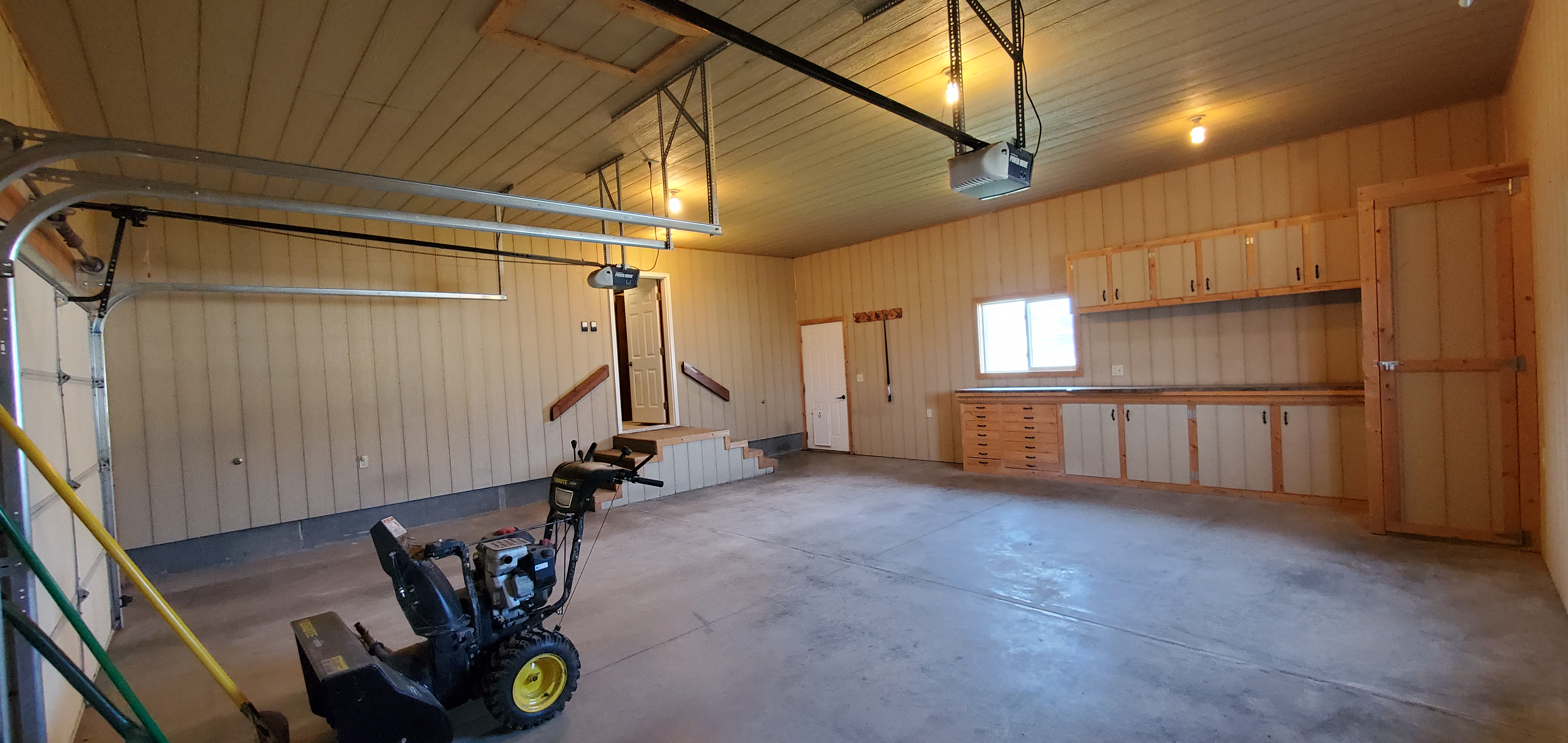 finished garage 3