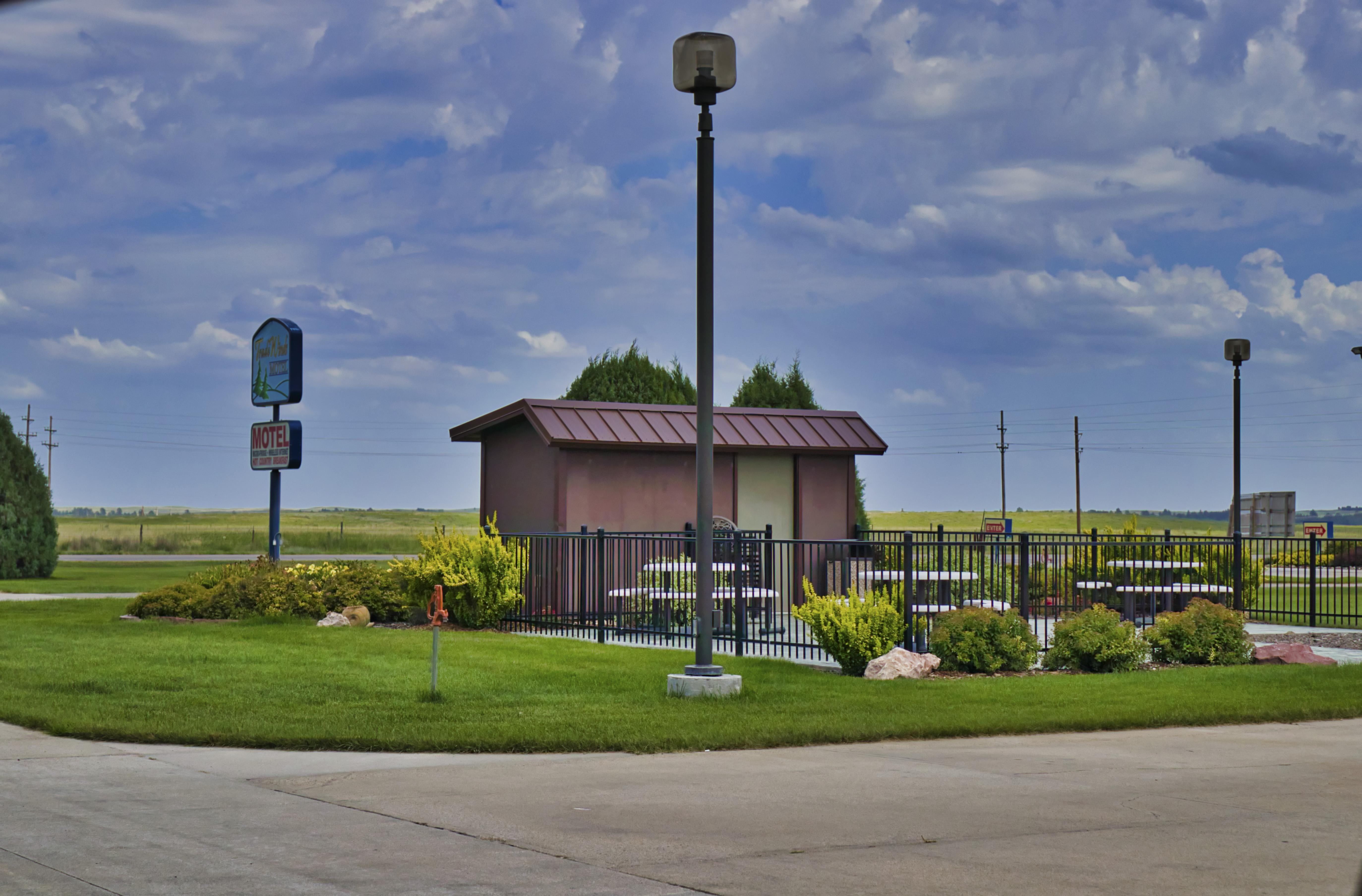 Motel Prairie Shed