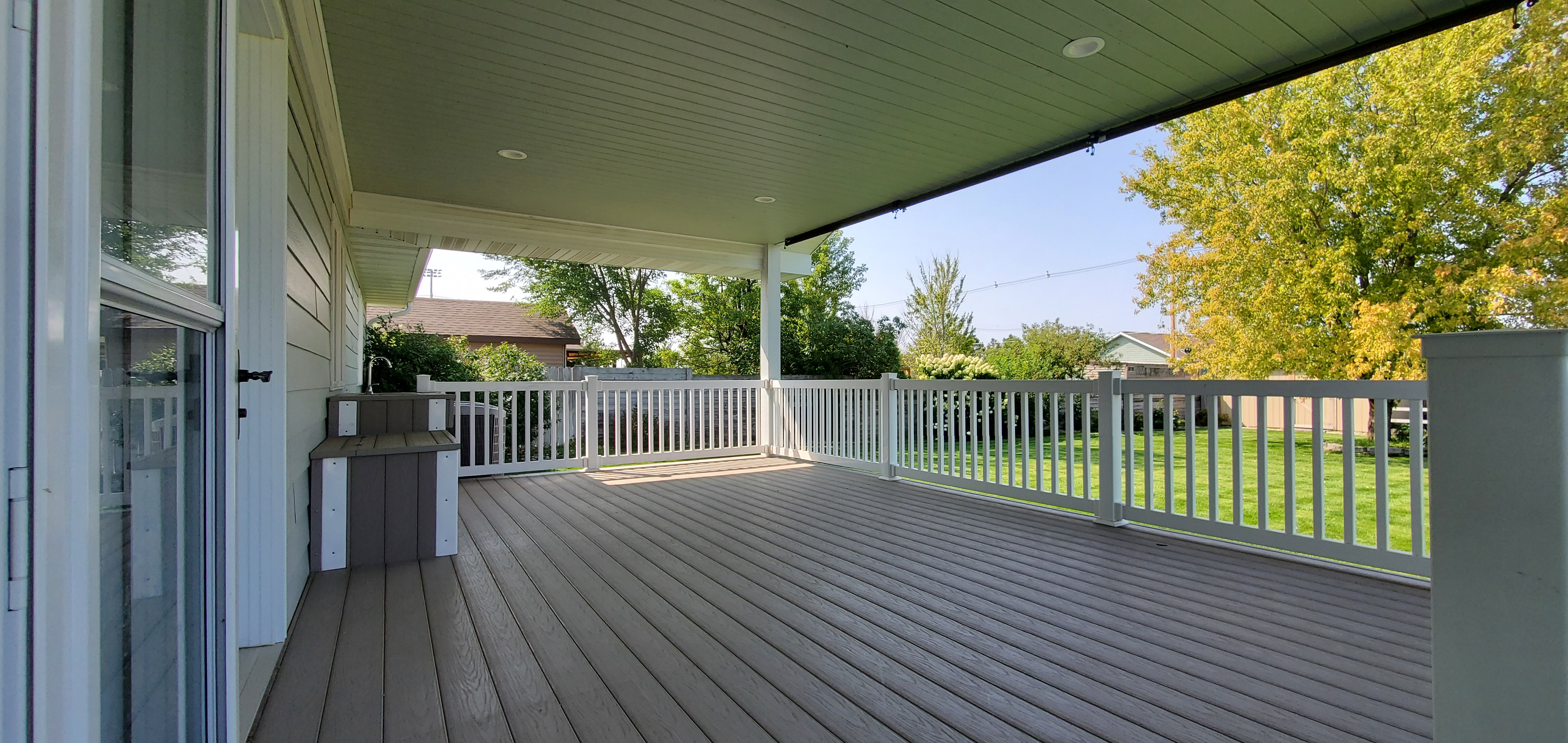 back deck with sink 2