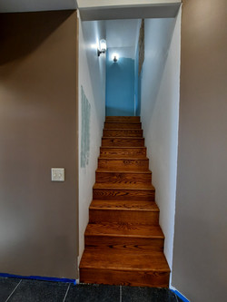 stairs to loft (2)