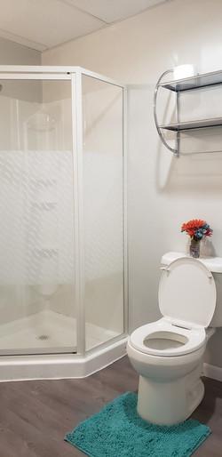 Bathroom Basement (2)