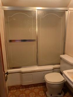 upstairs bath (2)