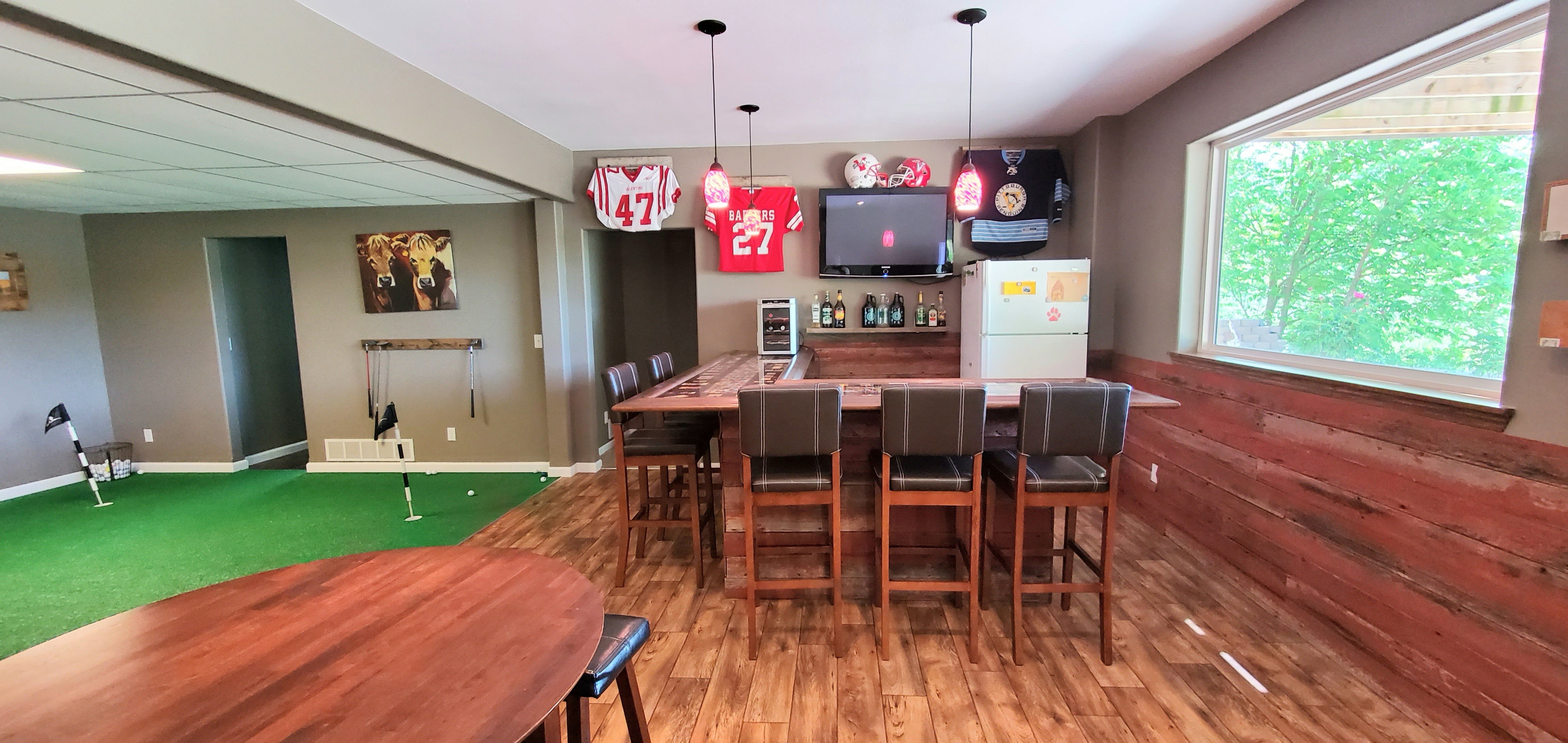 basement custom bar 3