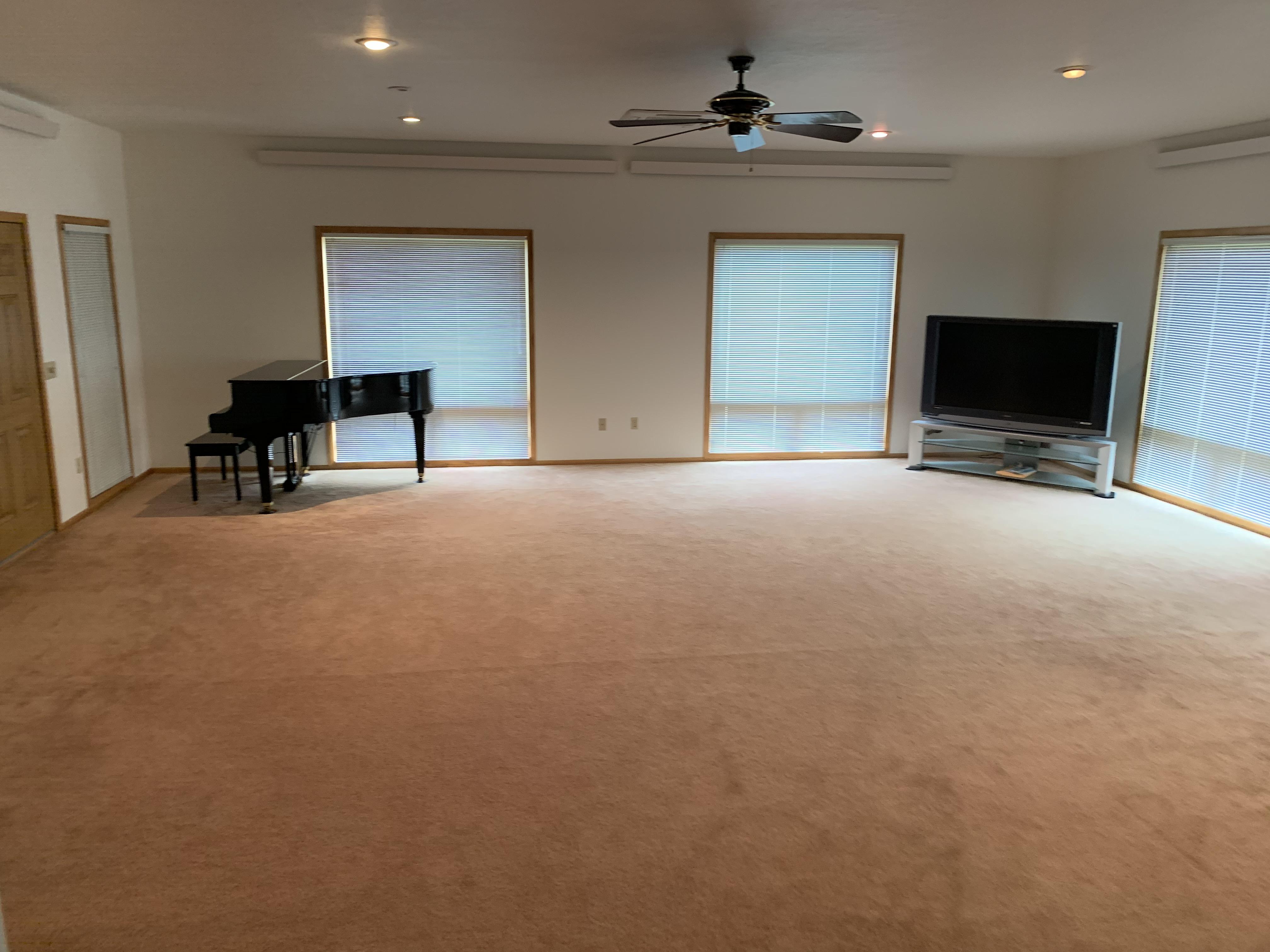 Large Living Room (3)