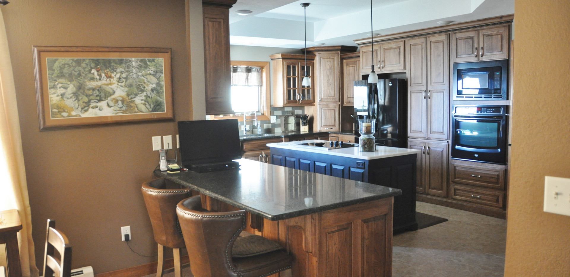 Dining into Kitchen - Beautiful Homes.JP