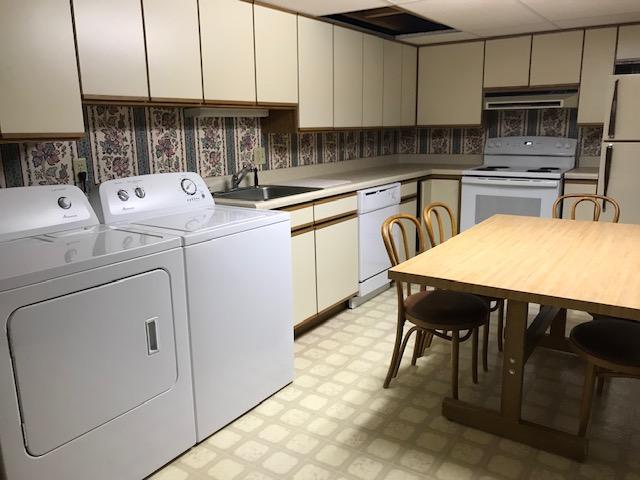 basement apt kitchen