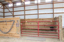 10 ft Sioux Steel brand gates throughout