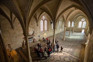 refectoire-des-moines-300x200--royaumont-abbaye-fondation