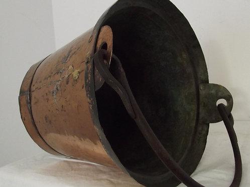 ancien seau cuivre martelé étamé anse fer forgé monté en queue d'aronde xixeme b
