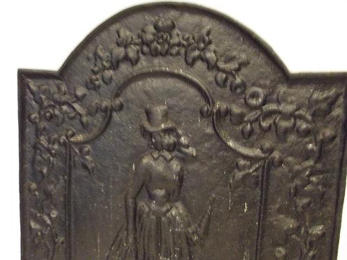 ancienne plaque de cheminée fonte dame élégante