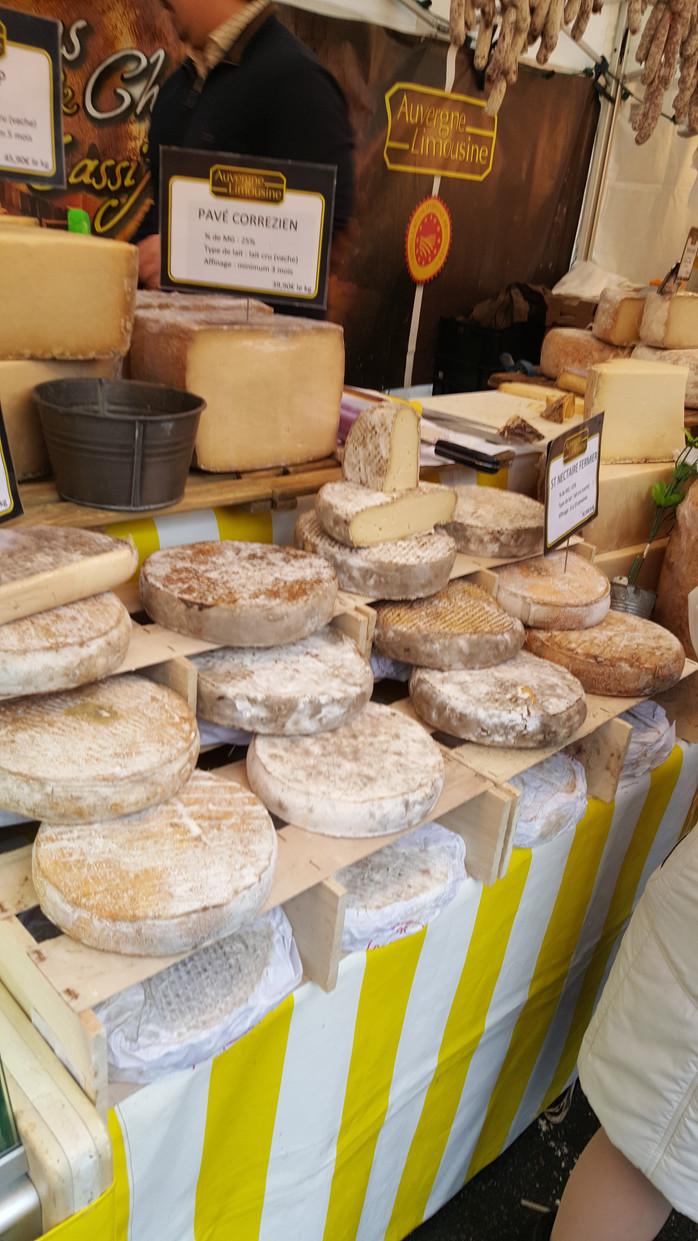 Malo o sirevima iz regije Auvergne