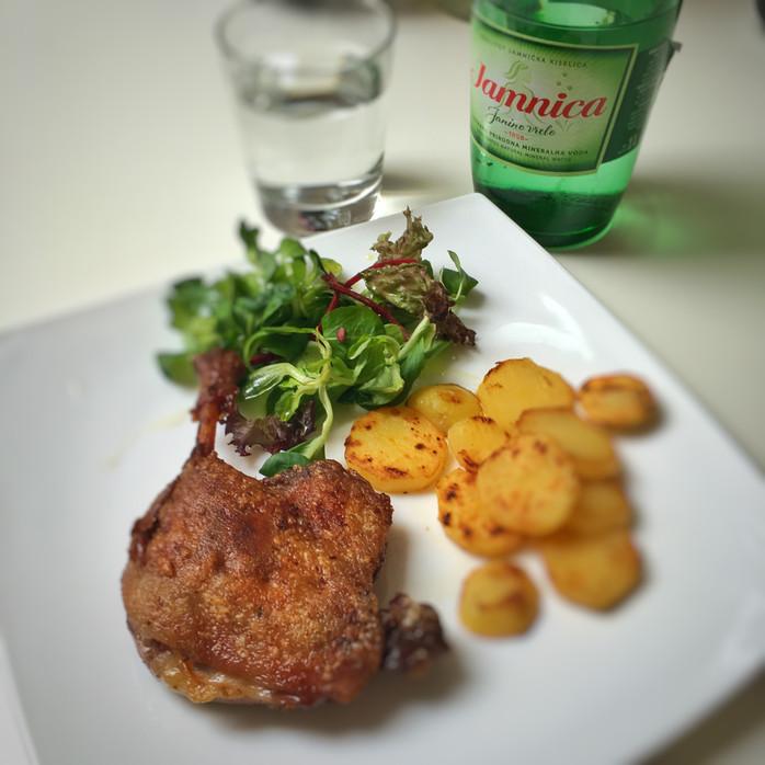 Što je « le confit de canard » i zašto francuzi stalno jedu patku na ovakav način ?