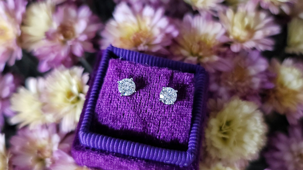 1.07 Carat Total Weight + I + SI1 + 14k White Gold Studs