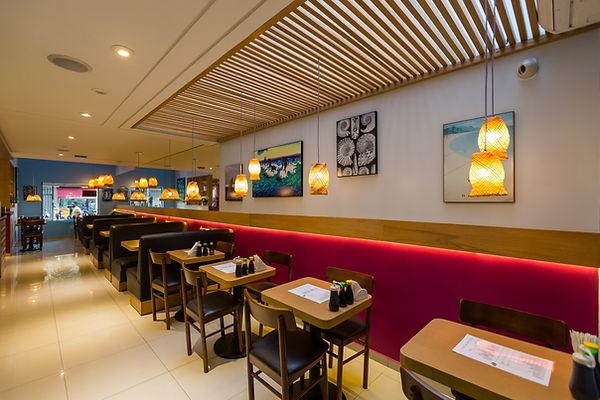 O Nakro é um restaurante especializado em poke, comida com origem havaiana.
