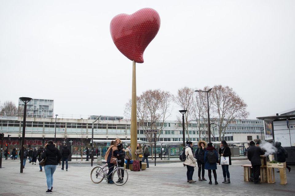 Photo Courtesy : Joséphine Brueder/Ville de Paris,Coeur de Paris by Joana Vasconcelos